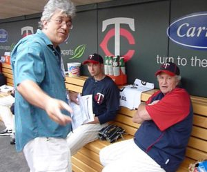 John Wroblewski (left) chatw with old South Chicago neighbor Rick Stelmaszek (right) during a visit to Minneapolis' Target Field.