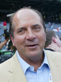 Bench recalls how Cubs had great shot at him in 1965 draft : Jhonny Bench - 1998 interview of Hall of Famer Johnny Bench at Wrigley Field.