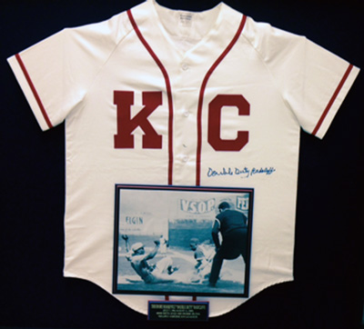 A Kansas City Monarchs uniform signed by Duty.