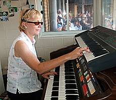 Nancy Faust recalls start of 'Na, na, hey, hey, good-bye' organ serenade -This CBM vintage baseball podcast features interview organist Nancy Faust.