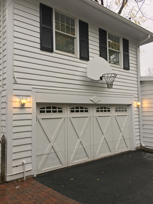 A close-up of the coach house converted from servants' quarters to Bill Veeck's newlywed apartment. He'd have appreciated the basketball hoop on the top of the garage.